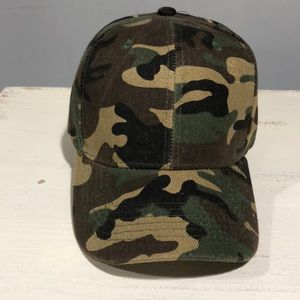 Accessories - Camouflage Base Ball Hat